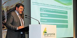 Colóquio Nacional do Milho aponta caminhos para solucionar Crise dos Cereais e do Leite